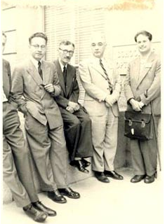 De Finetti a Berkeley nel 1950. Da sinistra: Michel Loeve, Paul Lévy, William Feller, Bruno de Finetti